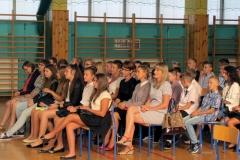 Fotografia z rozpoczęcia roku szkolnego 2016/2017 w gimnazjum