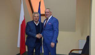 Więcej o: Prezydent Aleksander Kwaśniewski w Gowarczowie