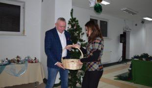 Więcej o: Dwudniowy Kiermasz Świąteczny w Centrum Kultury i Aktywności Lokalnej w Gowarczowie, który odbył się w dniach 12 i 13 grudnia 2019.