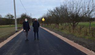 Więcej o: Odbiór końcowy dwóch odcinków dróg gminnych w Gowarczowie.