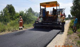 Więcej o: Jest już nawierzchnia asfaltowa w Rudzie Białaczowskiej