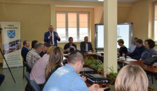 Więcej o: Sesja Rady Gminy z tematem budowy kurników