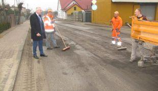 Więcej o: Wiosenne remonty dróg w pełni